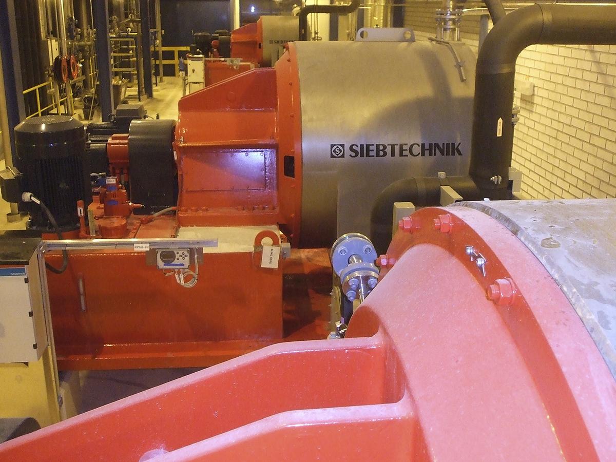 Schubzentrifuge SHS 1103 ZK in einer Anlage für Phosphorsäure